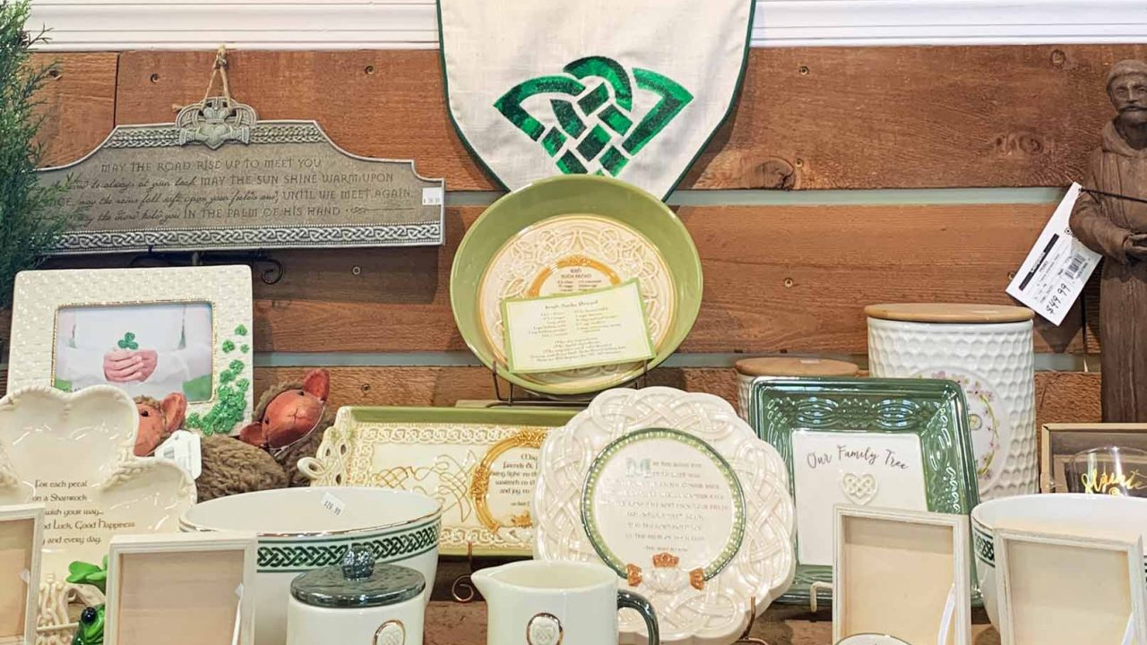 decorative plates, mugs, and gifts